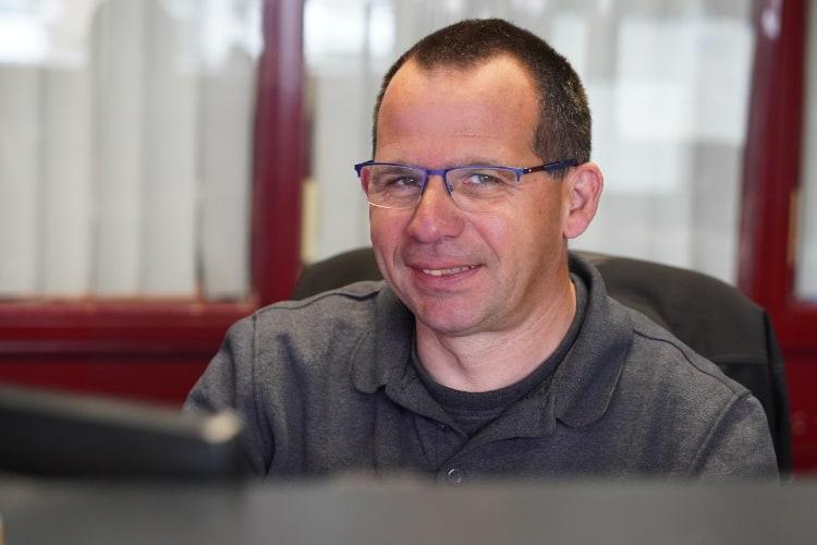 John van Autobedrijf Jabe Dongen